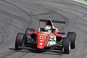 Formula 4 Qualifiche Juri Vips si aggiudica entrambe le pole a Vallelunga.