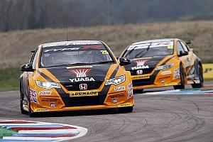 BTCC Breaking news Hot weather forces BTCC to shorten Thruxton races