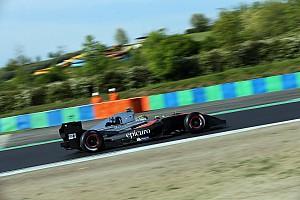 فورمولا  V8 3.5 تقرير السباق فورمولا 3.5: شيكوتو يرِث الفوز في السباق الأول عقب أخطاء منافسيه