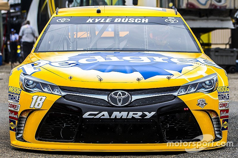 Toyota dominates second NASCAR Sprint Cup practice