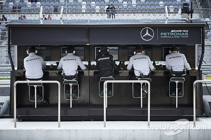 Аналіз: Як Mercedes переграли суперників у питанні обміну даних
