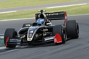 Formula V8 3.5 Race report Silverstone F3.5: Nissany takes provisional maiden win