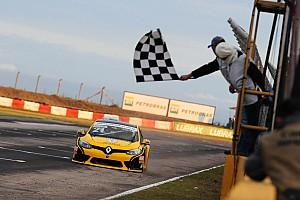Brasileiro de Marcas Relato da corrida Saindo da pole, Salas vence primeira do ano no Marcas