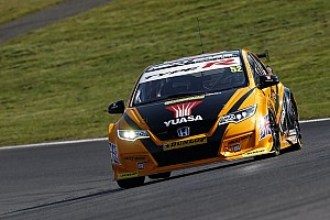 BTCC Race report Brands Hatch BTCC: Shedden wins race two amid late drama