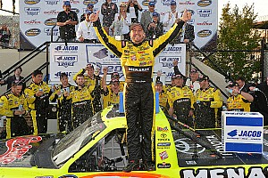 NASCAR Truck Race report Crafton holds off Suarez for first Dover win