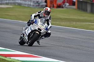 MotoGP Practice report Mugello MotoGP: Hernandez tops damp opening practice