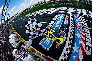 NASCAR Truck Race report Matt Crafton cruises to second consecutive Truck win