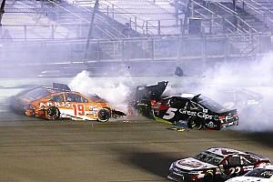 NASCAR Sprint Cup Новость Видео: авария, стоившая Эдвардсу титула в NASCAR