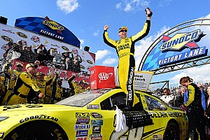 NASCAR Sprint Cup Race report Kenseth victorious in wild and unpredictable Dover thriller