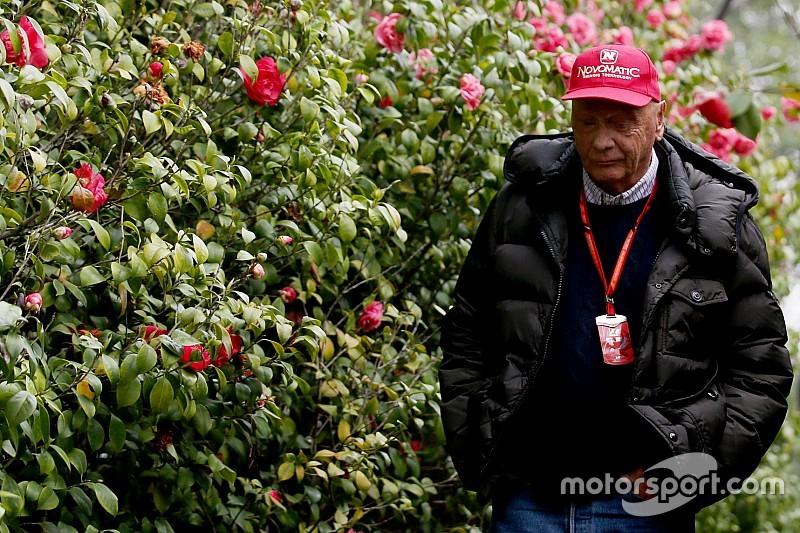 Niki Lauda in gravissime condizioni: sottoposto a trapianto di polmoni