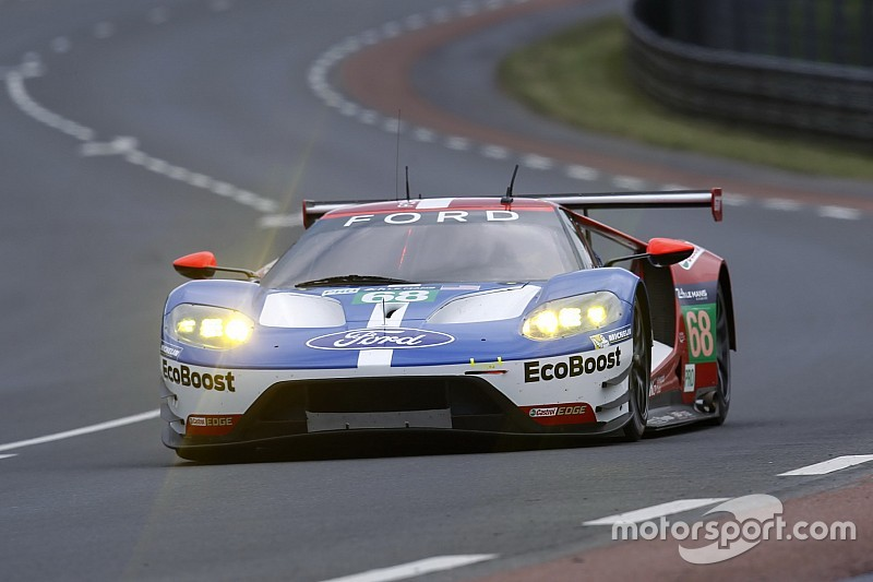 ford gt takes pole position for le mans 24 hours. Black Bedroom Furniture Sets. Home Design Ideas