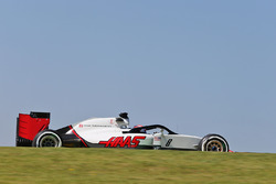 Romain Grosjean, Haas F1 Team VF-16 with a Halo cockpit cover