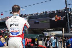 Oriol Servia, Schmidt Peterson Motorsports Honda watches Sam Schmidt piloting the ARROW Chevrolet Corvette