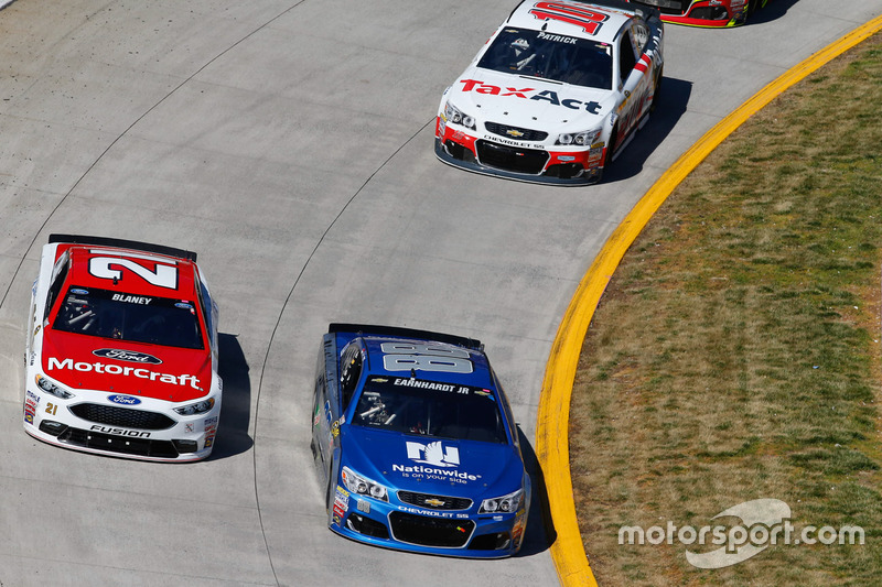 dale earnhardt jr hendrick motorsports chevrolet at martinsville. Cars Review. Best American Auto & Cars Review