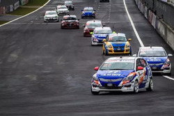 Chinese Cup race action