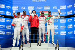 Podium: second place Yvan Muller, Citroën World Touring Car Team, Citroën C-Elysée WTCC; Winner José María López, Citroën World Touring Car Team, Citroën C-Elysée WTCC; third place Tiago Monteiro, Honda Racing Team JAS, Honda Civic WTCC