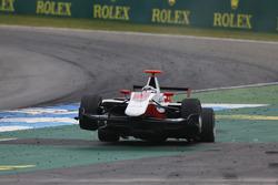 Crash Alexander Albon, ART Grand Prix