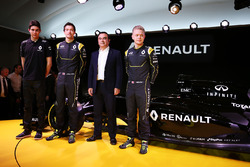 (L to R): Esteban Ocon, Renault Sport F1 Team test driver and Jolyon Palmer, Renault F1 Team