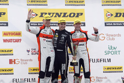 Podium: winner Tom Ingram, Speedworks Motorsport, second place Matt Neal, Halfords Yuasa Racing, third place Gordon Shedden, Halfords Yuasa Racing