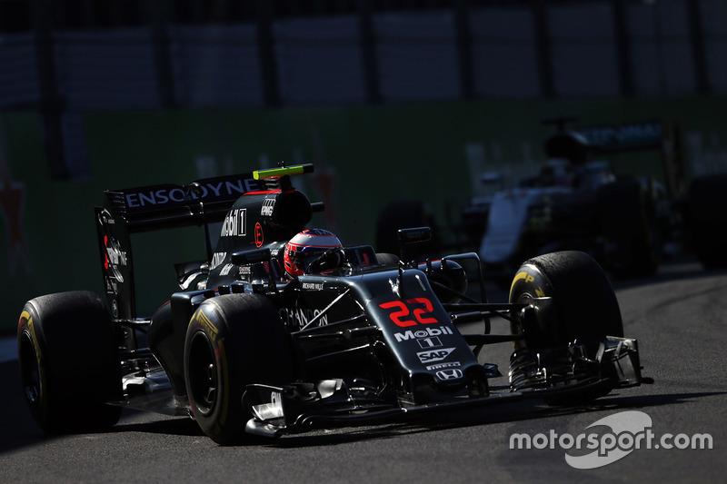 13: Jenson Button, McLaren MP4-31