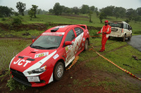 Indian Rally Photos - Samir Thapar, Gurinder Mann crash