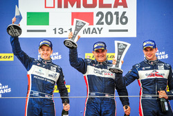 Podium: winners LMP3 #2 United Autosports Ligier JSP3 - Nissan: Alex Brundle, Mike Guasch, Christian England