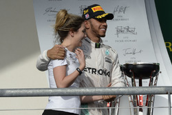 Race winner Lewis Hamilton, Mercedes AMG F1, Victoria Vowles, Mercedes AMG F1 Partner Services Director
