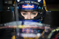 Formula V8 3.5 Photos - Lindsey Vonn drives Formula Renault 3.5