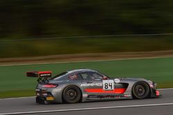 84 AMG-Team HTP Motorsport, Mercedes-AMG GT3: Dominik Baumann, Jazeman Jaafar, Maximilian Buhk
