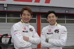 武藤英紀と中嶋大祐(#16 チーム無限 NSX-GT)