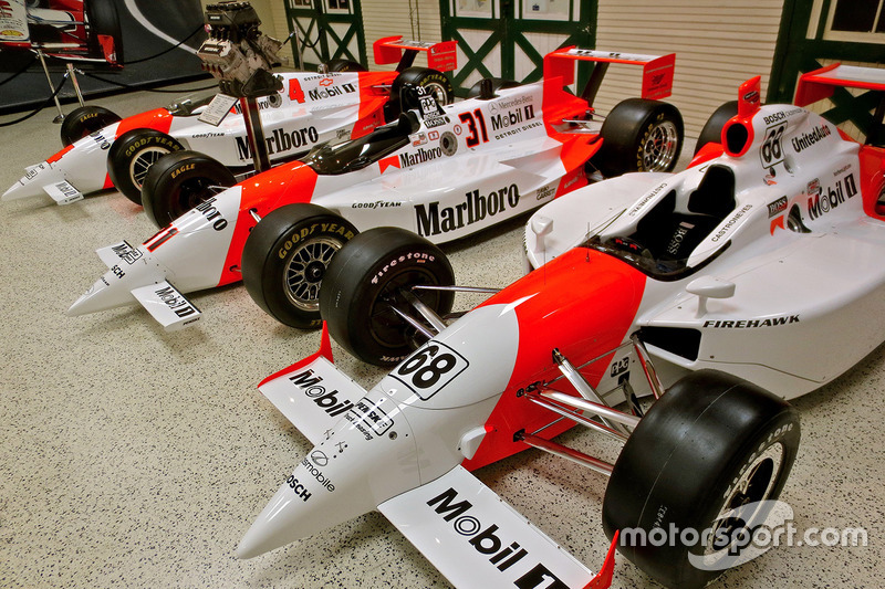 Penske Honda Indianapolis >> Castroneves reveals Indy livery, launches Penske display   Diecast CraZy - Discussion Forums for ...