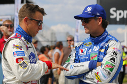 A.J. Allmendinger, JTG Daugherty Racing Chevrolet, Jeff Gordon, Hendrick Motorsports Chevrolet