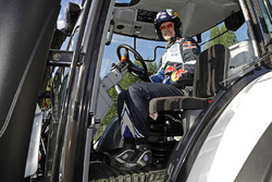 Jari-Matti Latvala, Volkswagen Motorsport with a competition tractor