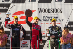 Podium: winner Tim Slade, Brad Jones Racing Holden, second place Mark Winterbottom, Prodrive Racing Australia Ford, third place Fabian Coulthard, Team Penske Ford