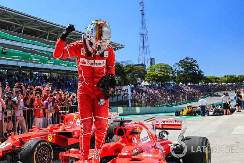 Hamilton disfruta la competencia de pilotos jóvenes de F1