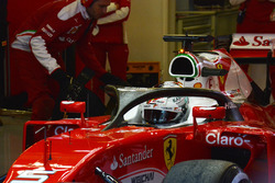 Sebastian Vettel, Ferrari SF16-H mit dem  Halo-Cockpit-Cover