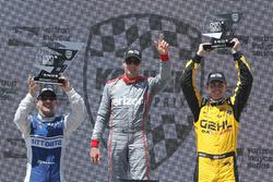 Podium: race winner Will Power, Team Penske Chevrolet, second place Tony Kanaan, Chip Ganassi Racing Chevrolet, third place Graham Rahal, Rahal Letterman Lanigan Racing Honda