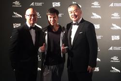Ma Qing Hua and Techeetah team members