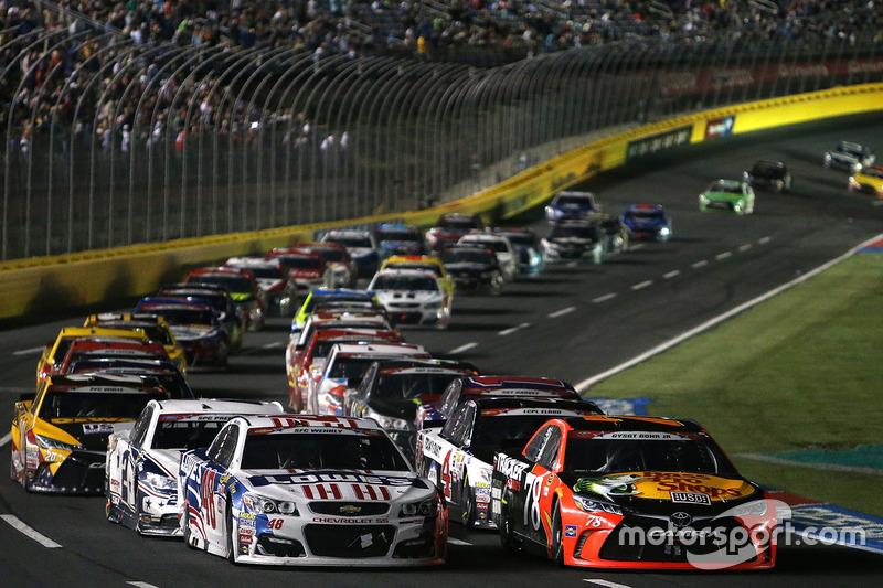 Martin Truex Jr Furniture Row Racing Toyota Leads A Restart At Charlotte