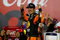Martin Truex Jr. ganó la Coca-Cola 600 con dominio total Nascar-cup-charlotte-2016-martin-truex-jr-furniture-row-racing-toyota-race-winner