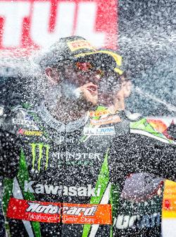 Sunday race winner Tom Sykes, Kawasaki Racing Team celebrates