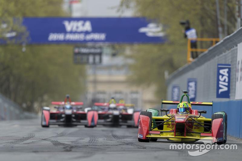 Lucas di Grassi, ABT Schaeffler Audi Sport leads