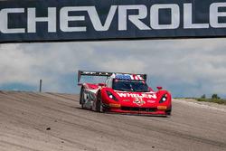 #31 Action Express Racing Corvette DP: Eric Curran, Dane Cameron takes the win under yellow flag
