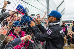 Lewis Hamilton, Mercedes AMG F1 with fans on the drivers parade