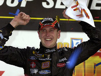 Busch returns to contender form