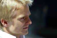 Kovalainen flies to pole in Monte Carlo