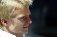 Kovalainen flies to pole in Monte Carlo