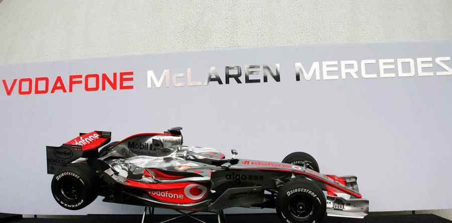 McLaren presents the MP4-22 in Valencia