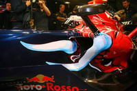 Low key arrival for new Toro Rosso
