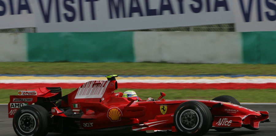 Massa pips Raikkonen to Malaysian GP pole